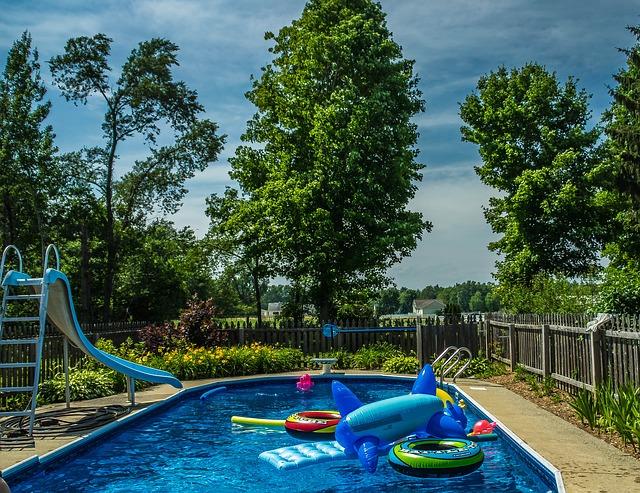 plot u bazénu.jpg