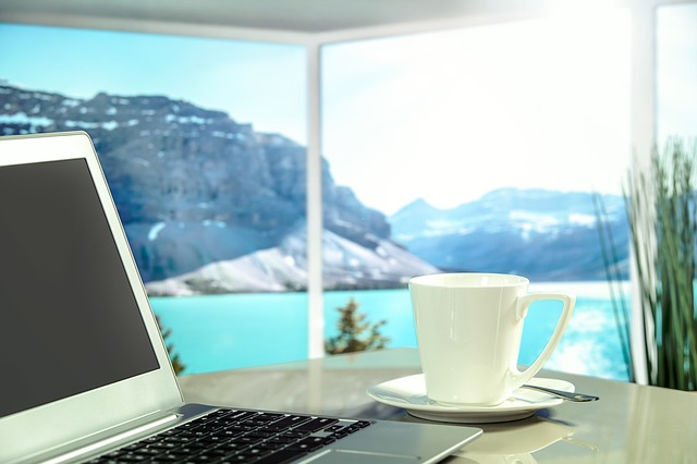 kancelář u jezera